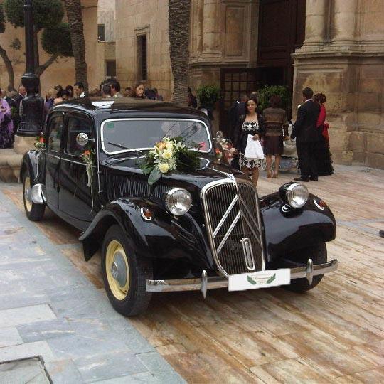 Coche de boda proporcionado por LimousineCC