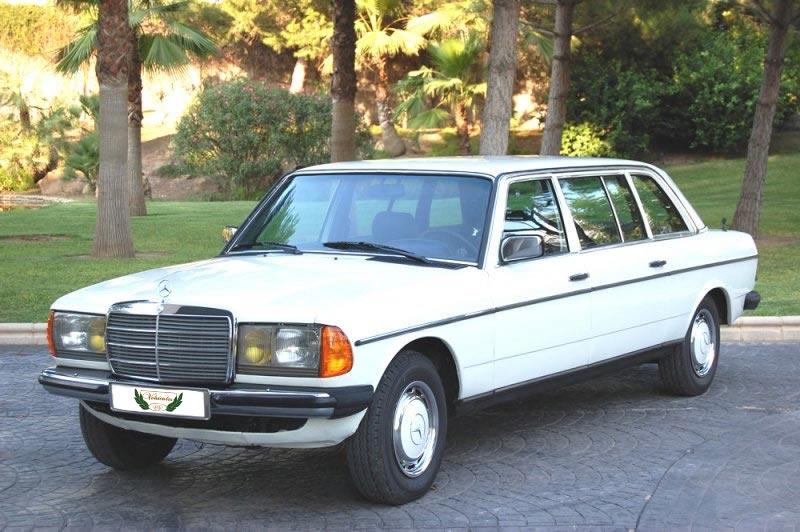Mercedes 300D Limousine de Location avec Chauffeur VTC