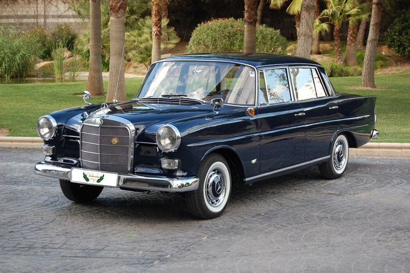 Mercedes 190 Colas Epoch with Driver VTC