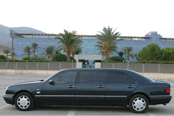 Mercedes Limusina Bifaro de Alquiler con Conductor – Coches de Alquiler en España