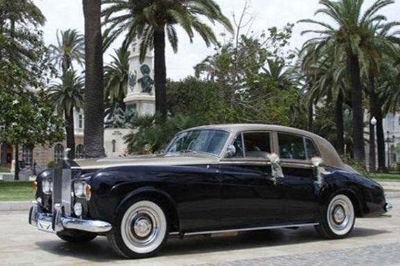 Rolls Royce Silver Cloud de Alquiler con Conductor – Coches de Alquiler en España