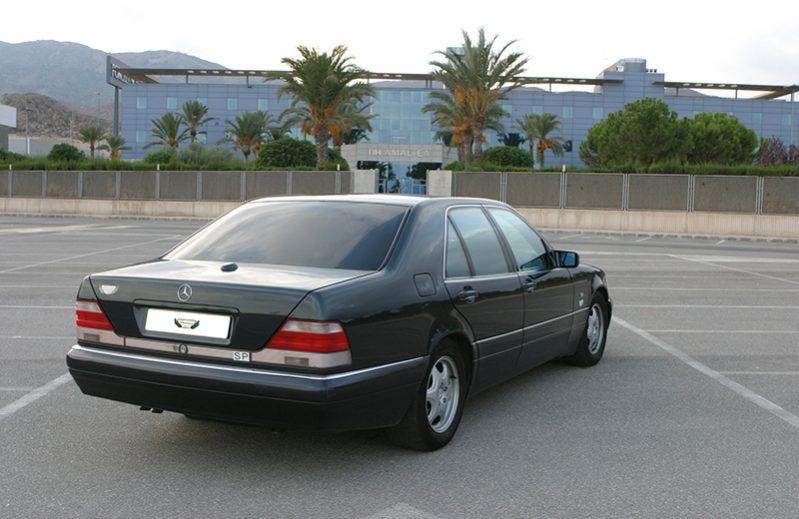 Mercedes Clase S (140) de Alquiler con Conductor – Coches de Alquiler en España