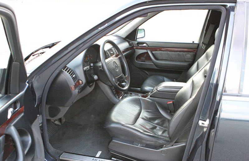 Mercedes Clase S (140) de Alquiler con Conductor VTC