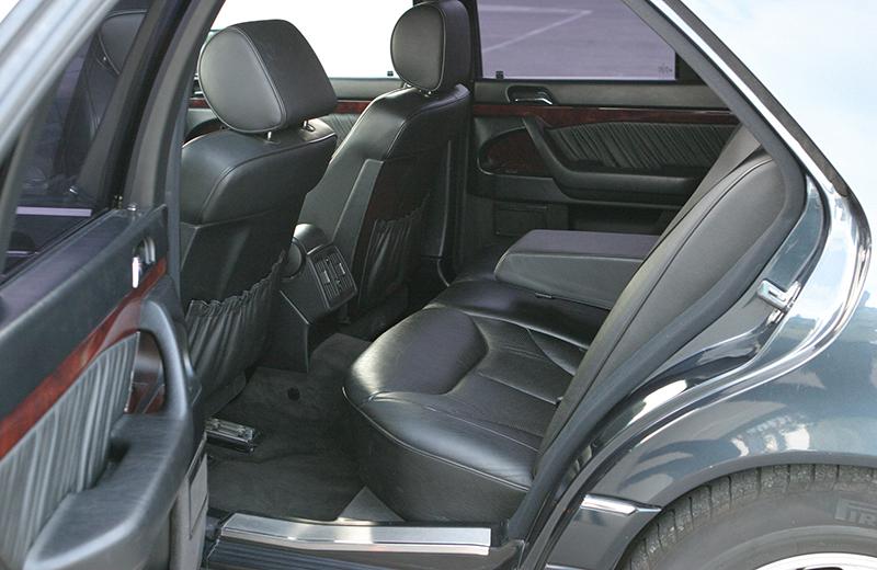 mercedes classe s 140 de location avec chauffeur voitures de location en espagne limousine cc. Black Bedroom Furniture Sets. Home Design Ideas
