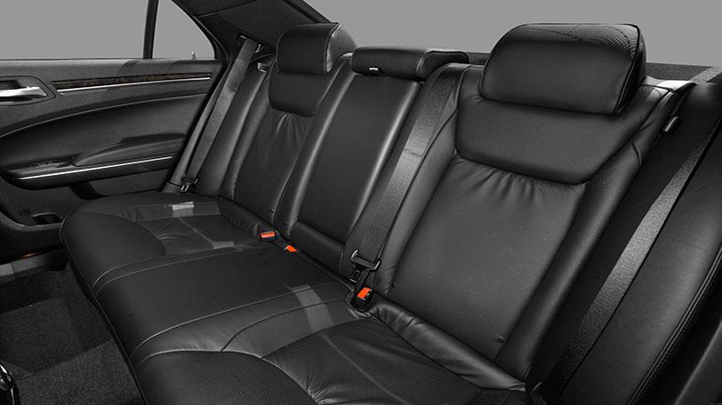 Lancia Thema de Alquiler con Conductor – Coches de Alquiler en España