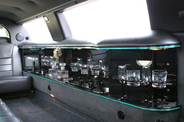 Limousine Ford Lincoln 120 Noire avec Chauffeur VTC