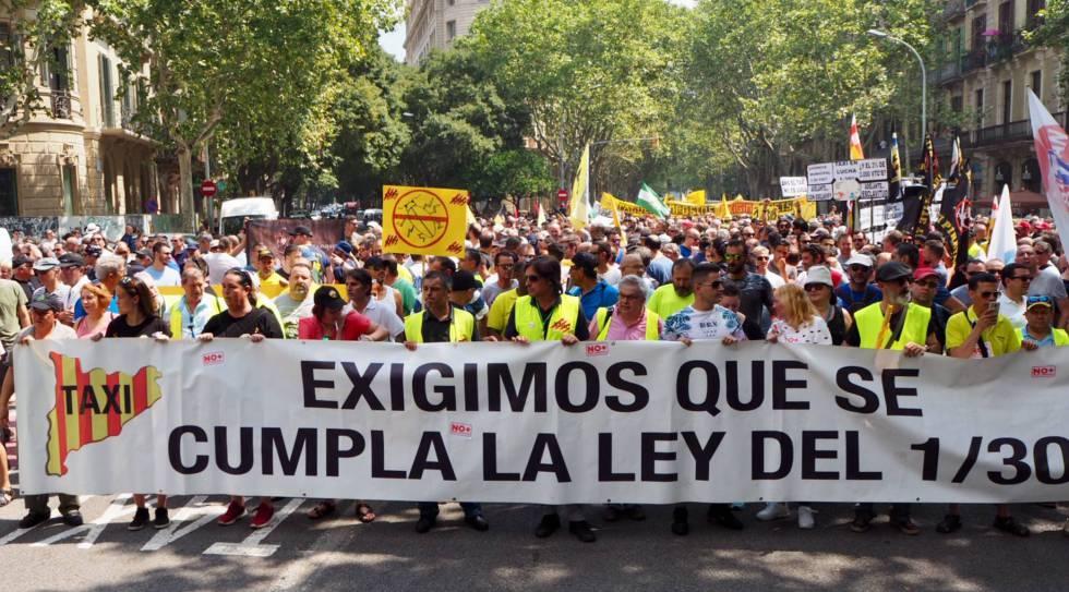 Huelga taxis contra Uber y Cabify